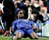 Drogba festeja golo, Chelsea-Liverpool, meia-final da Liga dos Campeões em Stamford Bridge