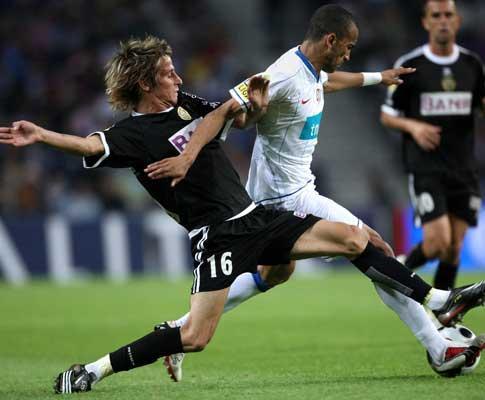 Coentrão: «Fui repreendido por responsáveis do F.C. Porto»