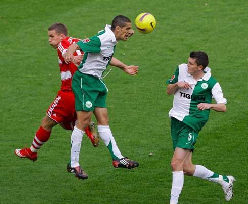 Taça UEFA: Wolfsburgo de Ricardo Costa eliminado