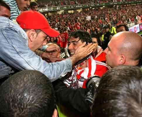 Rui Costa retirou-se há dez anos: recorde a noite que emocionou a Luz