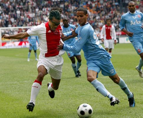 Holanda: Twente e Ajax prosseguem ombro a ombro