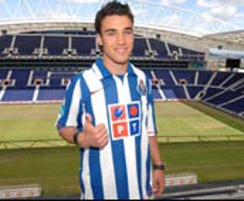 F.C. Porto volta a emprestar Diogo Viana ao Venlo