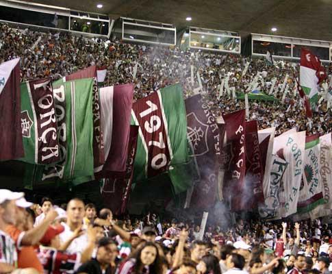 Brasil: Fluminense anuncia Fábio Santos (ex-Nacional)
