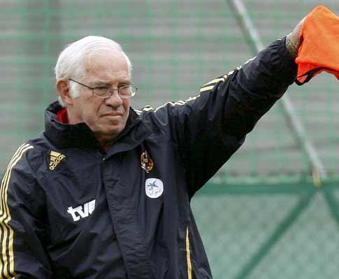 VÍDEO: as reações dos jogadores espanhóis na homenagem a Aragonés