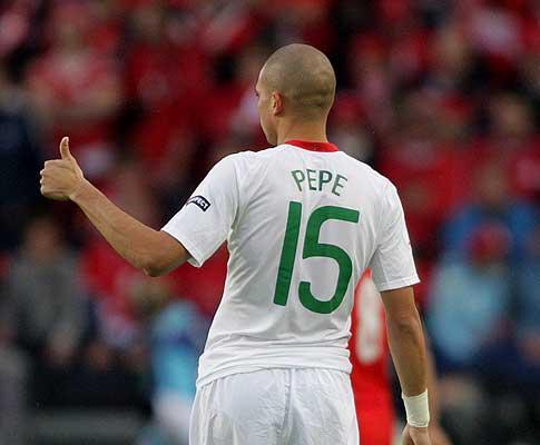 Pepe corrosivo com os suecos: «Deviam pensar antes de falar»