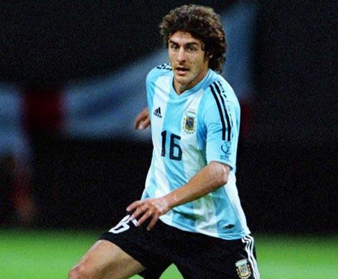 Argentina: Maradona chama Pablo Aimar e recupera Di María