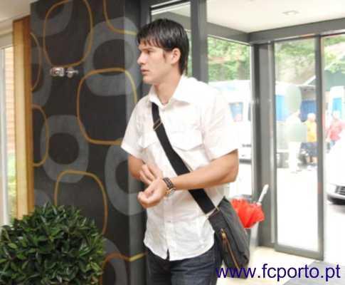 F.C. Porto: Sapunaru convocado, Fucile e Pedro Emanuel de baixa
