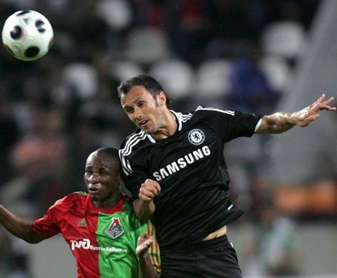 Chelsea: Carvalho e Essien titulares no regresso após lesão