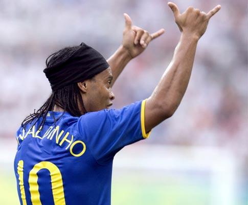 Ronaldinho vai jogar com equipa da III Divisão do México