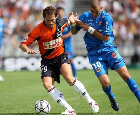 França: Benzema quer jogar em 2009/2010 no... Lyon