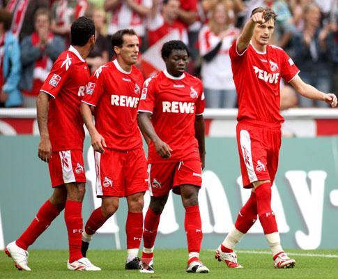 Hertha perde mas mantém liderança, Bayern a um ponto
