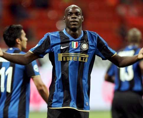 Totti ataca Balotelli, Ibrahimovic defende o colega de ataque