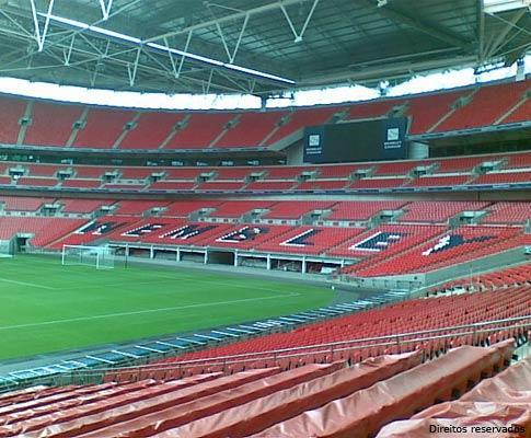 Enfrentou a morte pelo sonho de jogar em Wembley