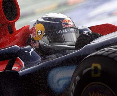 F1: Vettel vence na China, Red Bull com «dobradinha» inédita