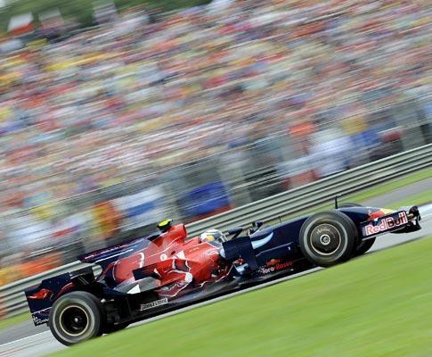 F1: Vettel (Red Bull) sai na frente para o GP China