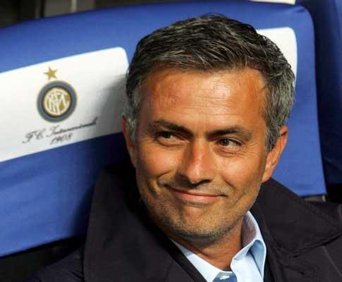 Inter de Mourinho vence e mantém distância para a Juventus