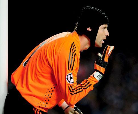 Chelsea recupera Cech mas perde Ivanovic por um mês