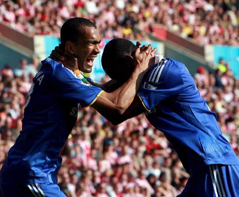 Chelsea: só Bosingwa continua a ser primeira escolha