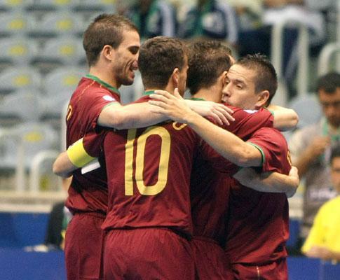 Futsal: Portugal vence Finlândia e continua na frente