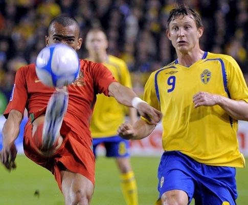 Suécia: Henrik Larsson e mais 22 para defrontar Portugal