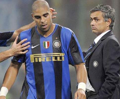 Inter: Adriano perde avião e arrisca novo castigo de Mourinho