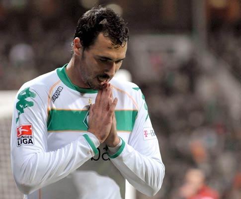 Hugo Almeida exulta com eliminação do Milan