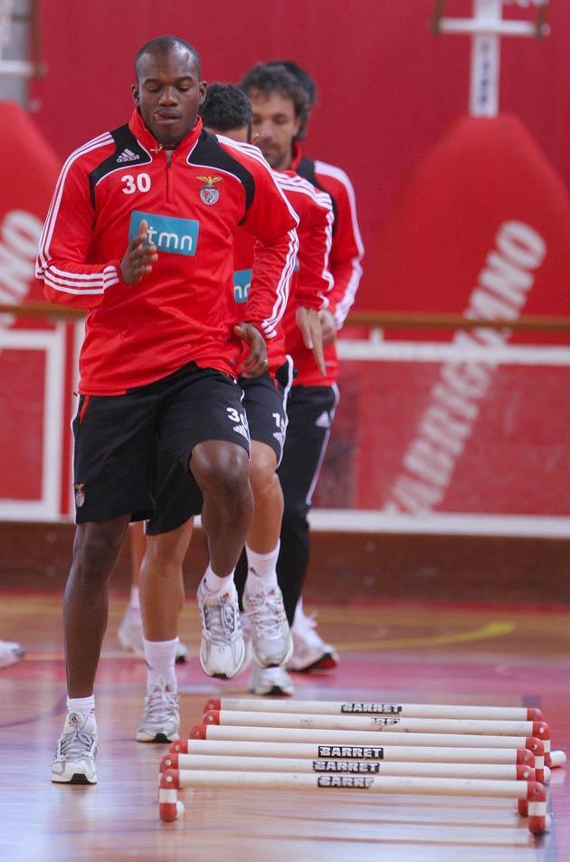 Benfica: Suazo e Ruben a correr para a final da Taça da Liga