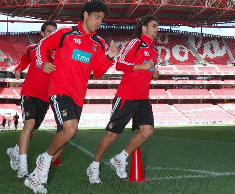 Urreta marca, é campeão do Uruguai e fica a torcer pelo Benfica