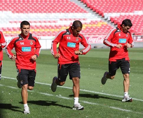 Benfica: três regressos e Reyes e Martins em «part-time»