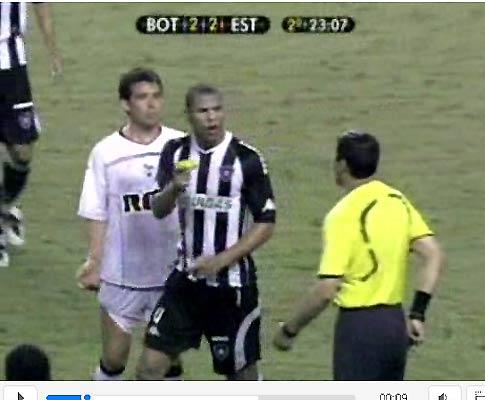 André Luís (ex-Benfica) despedido no Fluminense