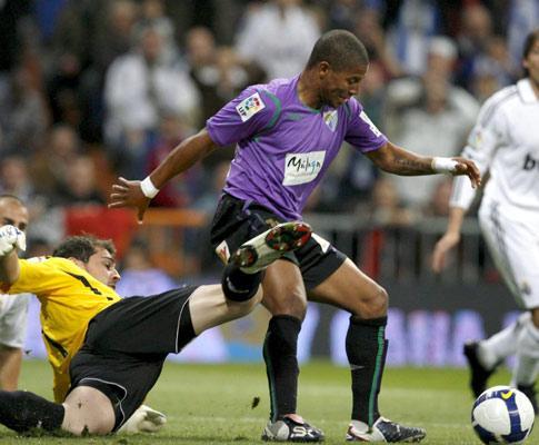 Espanha: Real Madrid imita Barcelona e vence em Málaga