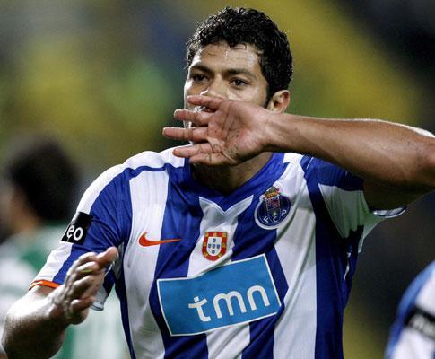 Hulk é «estrela em ascensão» para a UEFA