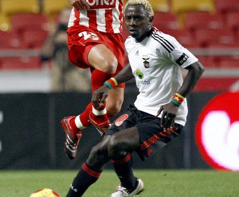 Benfica: Binya na selecção dos Camarões