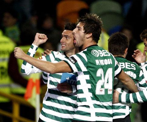 Sporting-E. Amadora (onzes oficiais): Postiga junto a Liedson