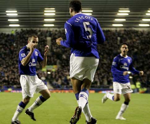 Taça de Inglaterra: Man. United enfrenta o Everton nas meias