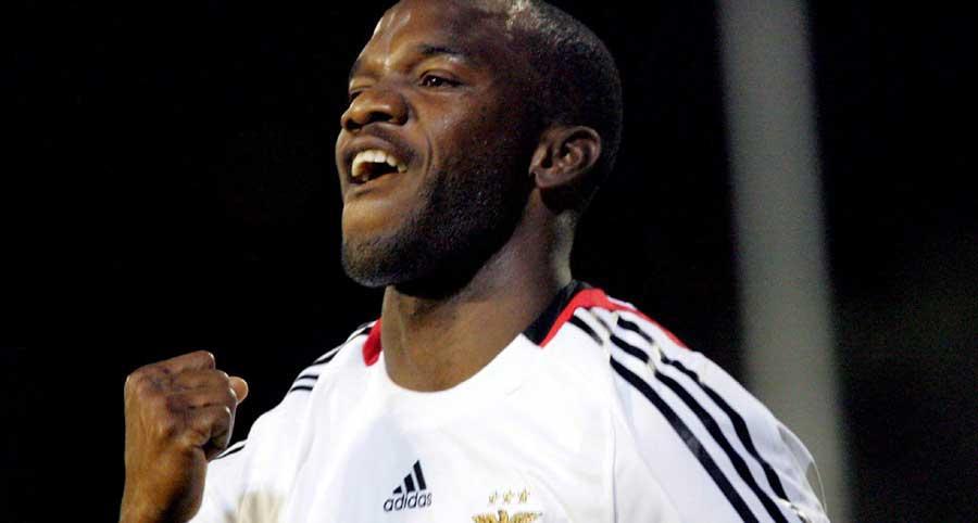 Benfica: Suazo e Martins treinam sem limitações