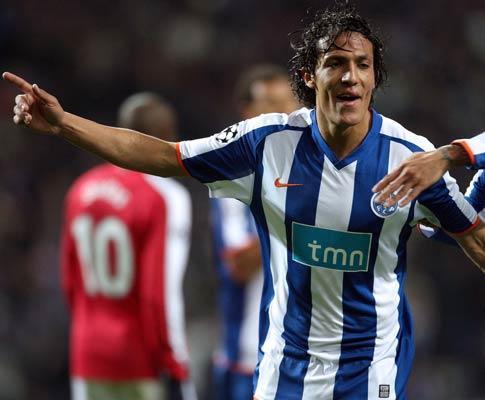 F.C. Porto: Bruno Alves tem contusão e não treina