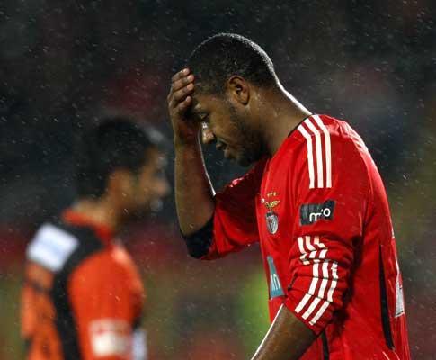 Benfica: Sidnei e Yebda regressam aos convocados