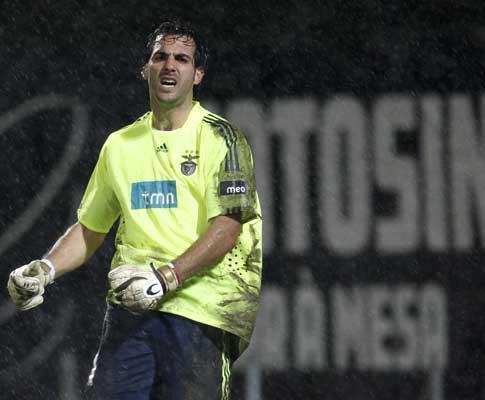 Benfica: Moretto operado ao joelho direito