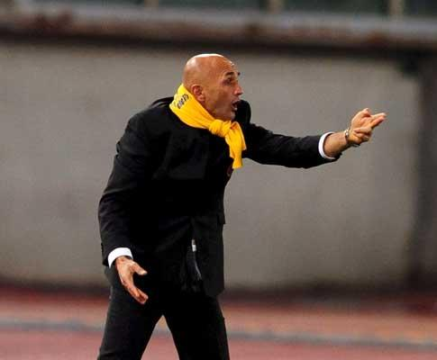 Itália: Udinese trava Roma, De Rossi expulso