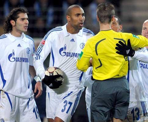 Alemanha: Schalke goleia Cottbus e aproxima-se da Europa