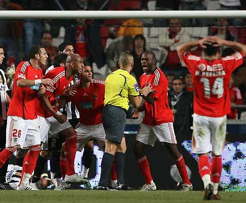 Falsificação no Benfica-Nacional: F.C. Porto requer investigação