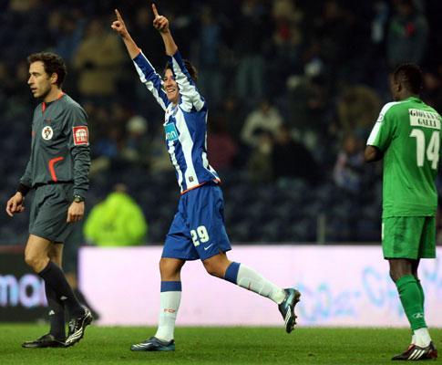 F.C. Porto: Jesualdo chama Rabiola para Guimarães