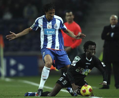 Académica: «Bruno Alves não joga para aleijar», diz Sougou