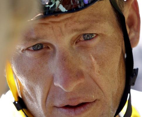 Ciclismo: Armstrong operado, presença no Giro em risco