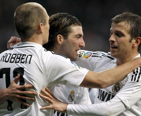 Espanha: dupla «R&R» mantém Real a seis pontos do Barcelona
