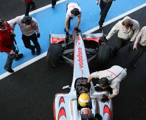 F1 de volta com muitas novidades e polémica