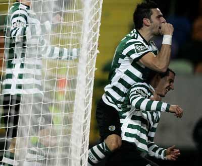 Sporting: Postiga e Romagnoli regressam à convocatória