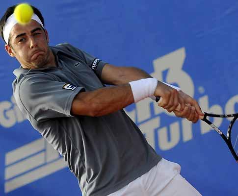 Frederico Gil eliminado na segunda ronda do Open de Bogotá