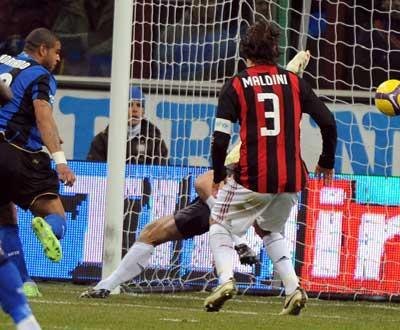 Itália: AC Milan perde Abbiati por seis meses